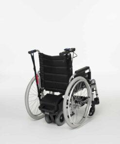 ondersteuning voor de rolstoel met een motortje