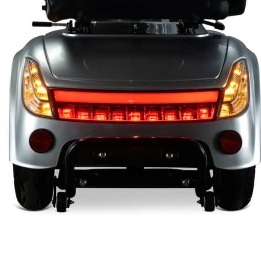 q1000 scootmobiel met luxe led verlichting aan de achterkant