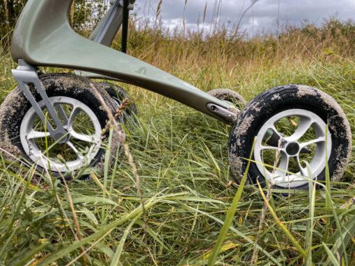 CarbonOverlandRollator Nature Wheels2 byACRE 1024x768 1