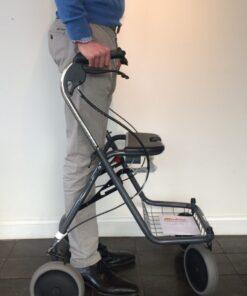 Parkinson rollator stand straight Cut 724x1024 1