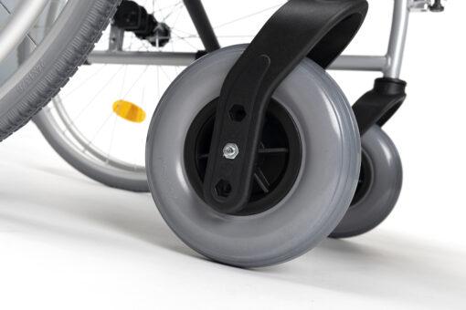 rolstoel d100 met luchtbanden scaled