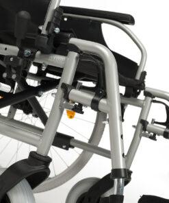 rolstoel d100 met verstelbare beensteunen